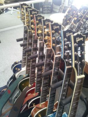 Gibson Les Paul Rack- I Really Like Guitars